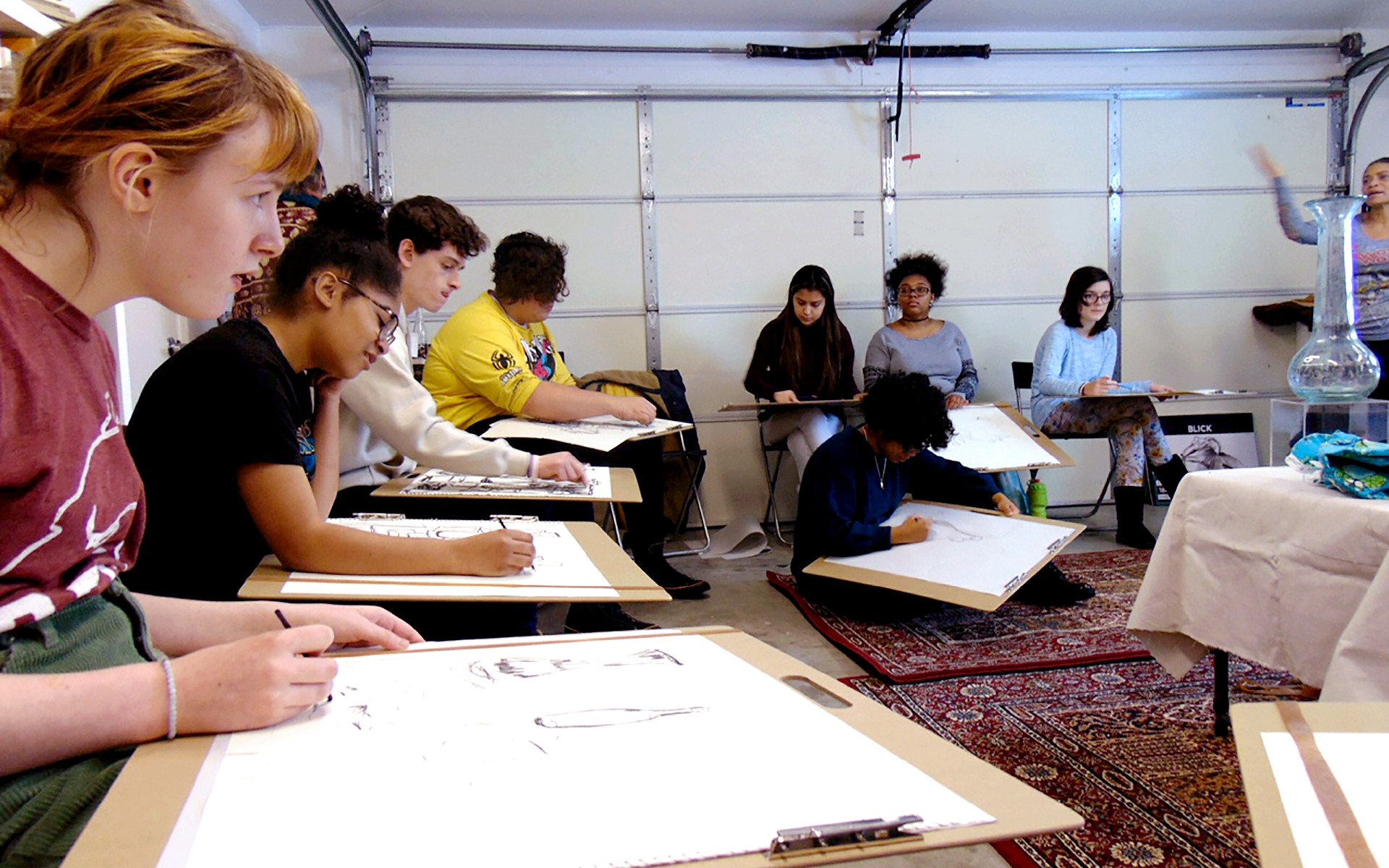 Youth drawing workshop organized by the Teen Council